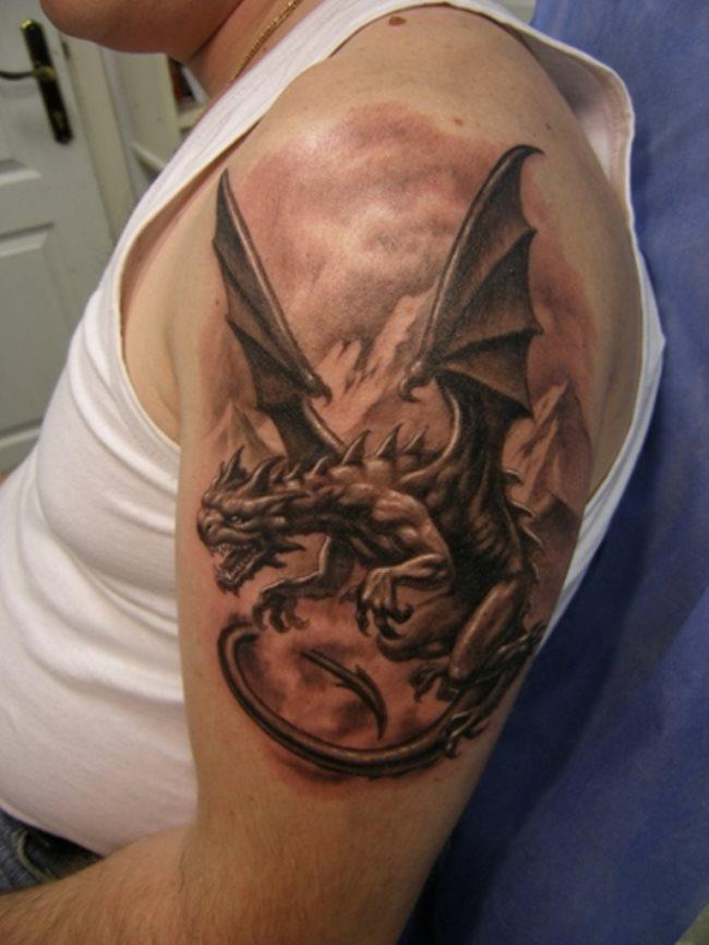 Que symbolise un dragon sur un tatouage?