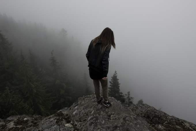 Que signifie rêver de tomber dans le vide?